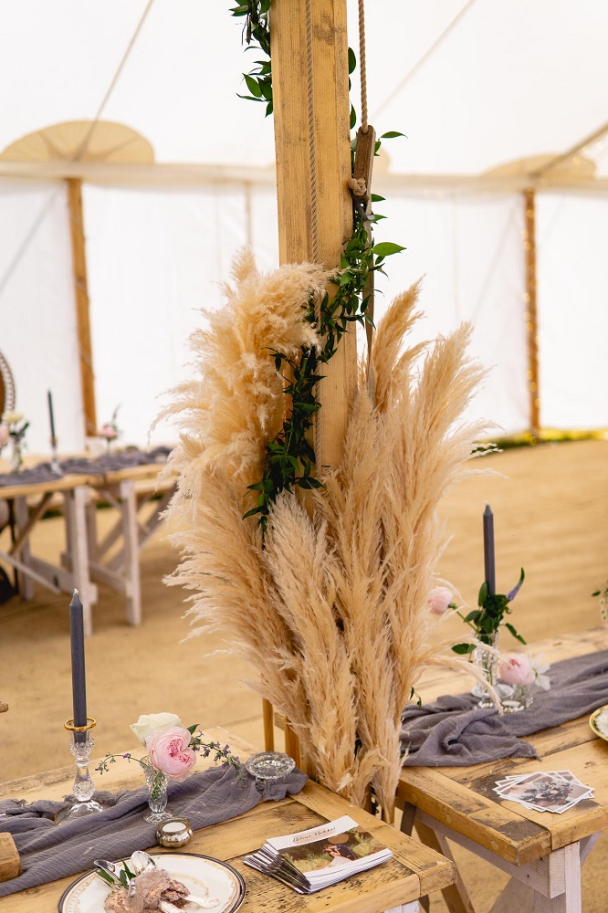 Pampas Grass as wedding flowers for 2019 weddings